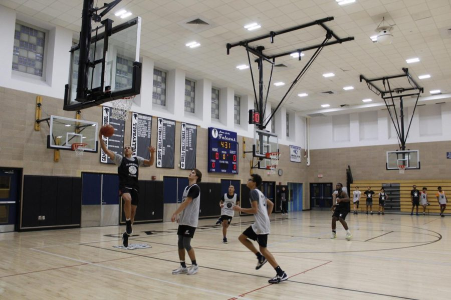 Pictured%3A+CRLS+Boys+Varsity+Basketball+team+hard+at+work+during+practice.
