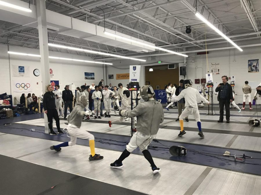 The+fencing+team+is+comprised+of+31+members.