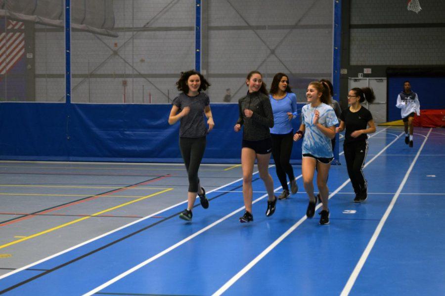 Girls Track (Theo Boehm)